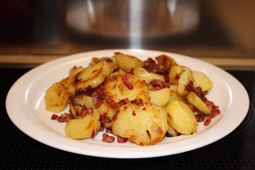 Bratkartoffeln – Roasted Potatoes